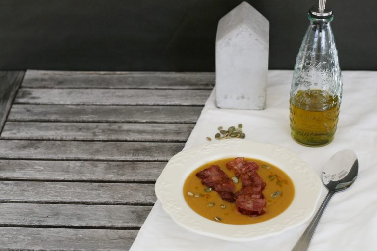 Zupa z dyni i czerwonej soczewicy
